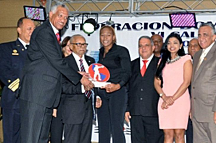 Yenebier Guillén es Premiada Como 'Boxeadora del Año'
